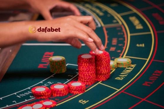 Cách đặt cược khi chơi Baccarat trực tuyến