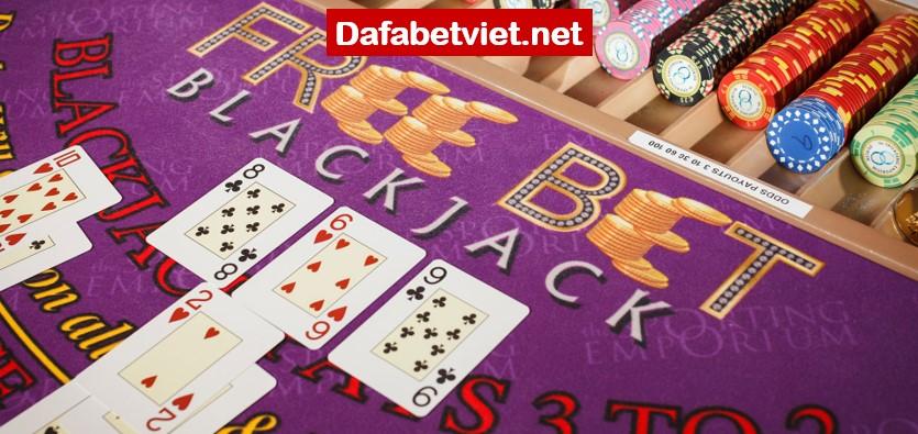 Nhà cái nào cho phép chơi casino trực tuyến miễn phí?